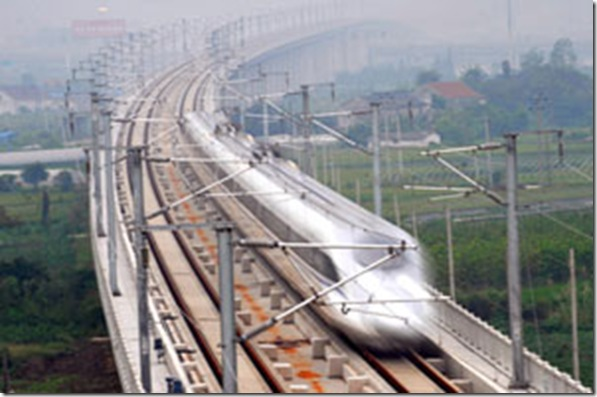 Trem rápido chinês bate recorde de velocidade