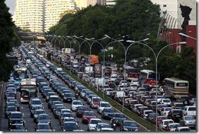 transito-pesado-brasil-sao-paulo-congestionamentos