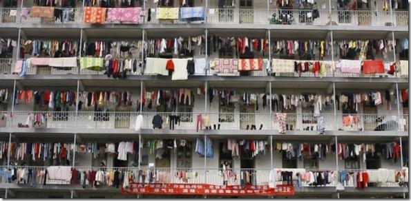roupas-penduradas-em-edificio-em-wuhan-provincia-de-hubei-na-china-1270754404165_615x300