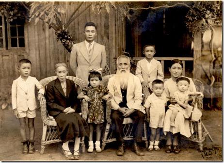 foto 3.Bastos,1939-Casal Paulo Kiyoshi Oda, filha, genro e netos