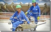 2011-08-15_obras-para-a-copa-de-2014-reunem-mais-mulheres-na-construcao-civil_gg