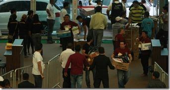 rnas-chegam-ao-hangar-centro-de-convencoes-da-amazonia-para-a-apuracao-dos-votos-das-eleicoes-municipais-em-belem-neste-domingo-1349648210765_956x500