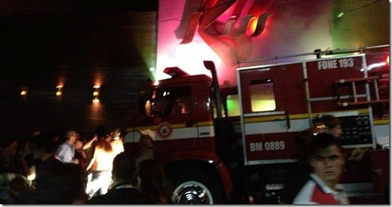 27jan2013---incendio-de-grande-proporcao-atinge-a-boate-kiss-no-centro-de-santa-maria-rs-1359279883155_956x500