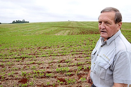 herbert bartz ele trouxe o sistema de plantio direto para o brasil.  ft cesar augusto folha de londrina   13 11 2012